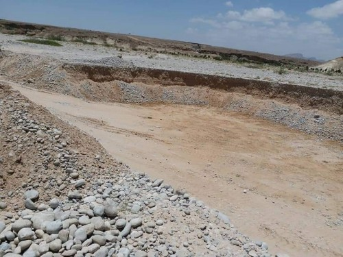 فرق هيئة المساحة الجيولوجية تواصل زيارتها لمواقع المحاجر بوادي حضرموت