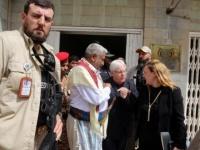 """فريق المشاورات الحكومي يتهم المبعوث الأممي بـ""""شرعنة"""" مليشيات الحوثي"""