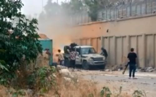 اندلاع قتال شرس في طرابلس وسط دعوات دولية لوقف إطلاق النار