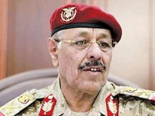 بقرارات تكرس للفوضى.. عبث محسن الأحمر يظهر في سقطرى