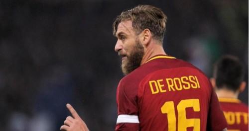 روما يرتدي قميصا خاصا في ختام الدوري بسبب دي روسي