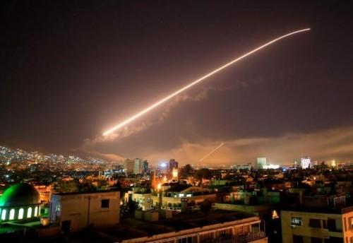 المرصد السوري: نظام الأسد شن 600 غارة جوية على معاقل المسلحين بكفر نبودة