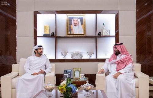 بن سلمان يستعرض مع ولي عهد دبي العلاقات الأخوية بين البلدين
