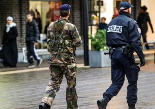 نيابة باريس توقف مشتبه به في تفجيرات ليون