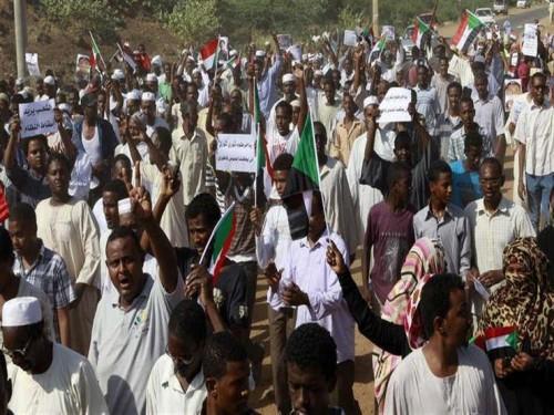 في أول أيام الإضراب.. شلل تام في شوارع العاصمة السودانية