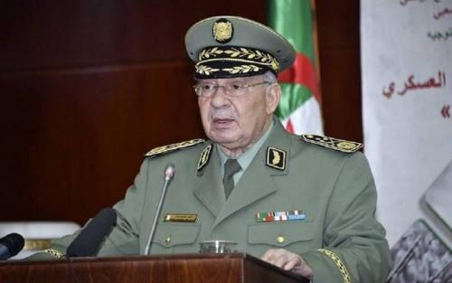 الجيش الجزائري: هناك أطراف تضلل الرأي العام وننتظر مخرج دستوري للأزمة