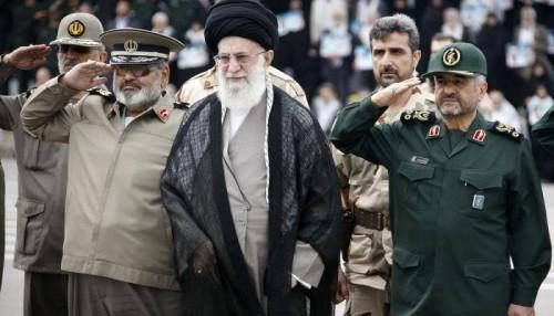 سياسي يوجه هجوما لاذعا للنظام الإيراني