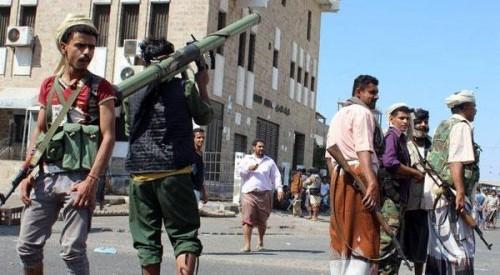 """عاجل.. قتيل وعدد من الجرحى خلال اشتباكات في عدن.. والسبب """"فتاة"""""""