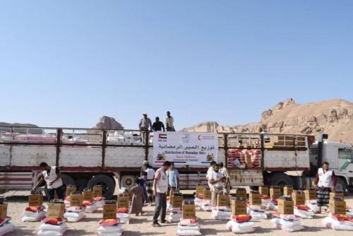 الإمارات تغيث 600 ألف يمني في رمضان(صور)