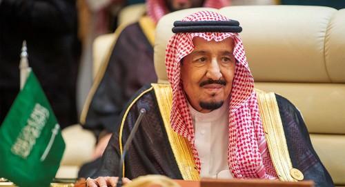 الملك سلمان يعلق على استهداف المليشيات الإيرانية لمحطتا ضخ للنفطِ في المملكةِ