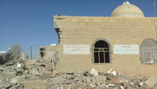 ألغامٌ في المساجد.. مليشيا الحوثي تُدنِّس بيوت الله (فيديو)