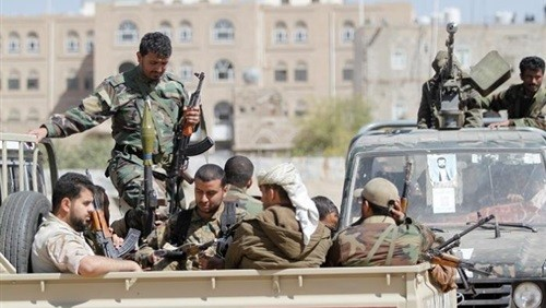 فقدان السيطرة على مشرفي الحوثي.. فوضى داخلية أم تبرير لجرائمهم؟