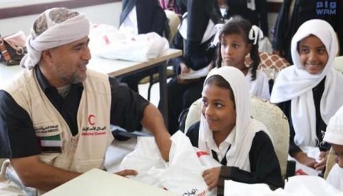 أعمال خيرية للسعودية والإمارات.. كسوة العيد ترسم البسمة على فقراء اليمن