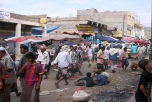 قتيل وجريح إثر تبادل إطلاق نار في سوق لودر بأبين
