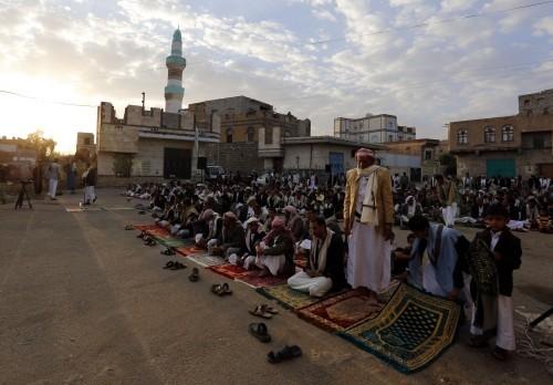بمناطق سيطرة الحوثي.. خطبة العيد في خدمة الإرهاب
