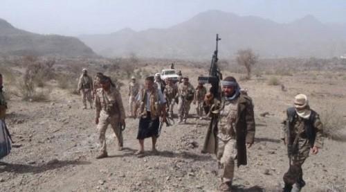 """القوات الجنوبية تدمر عربة """" بي إم بي """" حوثية في حجر.. تفاصيل"""