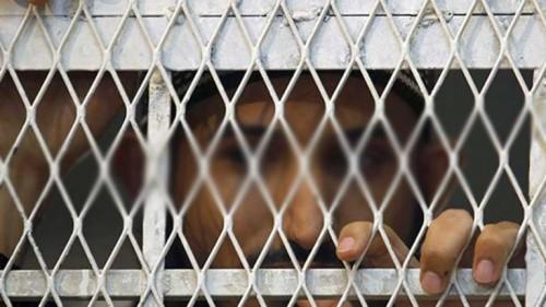 تنكيل حوثي في عيد الفطر.. محتفلون في غياب سجون المليشيات