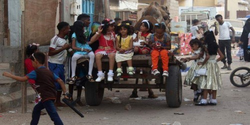 """إرهاب الحوثي في عيد الفطر يغرق اليمن بـ"""" الطائفية الإيرانية """""""