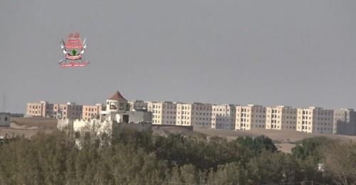 قصف عنيف لمواقع ألوية العمالقة من قبل الحوثيين بالدريهمي