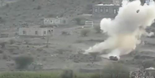 شاهد.. لحظة تدمير القوات الجنوبية لطقم عسكري حوثي شمال الضالع