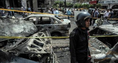إعلامي كويتي يطالب المصريين بالقضاء على الإرهابيين