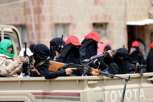 """الحوثي عنف وقتل وترهيبٌ.. ماذا فعلت """"الزينبيات"""" في فنادق صنعاء؟"""