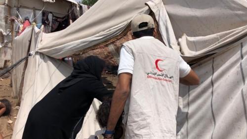الهلال الأحمر الإماراتي يتوجه لمساعدة المناطق الجنوبية المتضررة من الأمطار