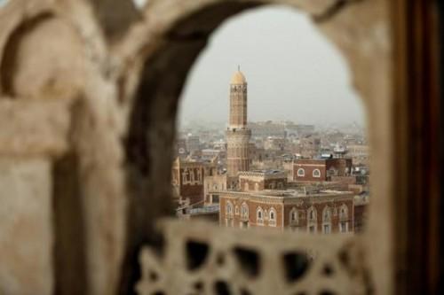 ترميم المساجد.. حجة حوثية لسرقة الآثار الإسلامية في صنعاء