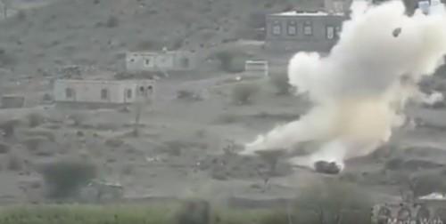 القوات الجنوبية تدمر طقم حوثي يحمل ذخائر جنوب الفاخر