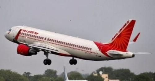 طائرة هندية تهبط اضطراريا بعد انفجار أحد إطاراتها