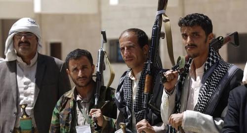 صحفي سعودي يهاجم الحوثيين.. ويثبت أنها جماعة إرهابية