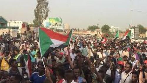 مصادر سودانية تكشف: ضباط إسلاميون وراء محاولة الإنقلاب