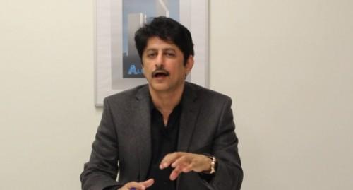 بن فريد يجاوب على السؤال المهم.. هكذا تصل الأسلحة للحوثيين