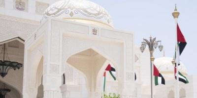 قرقاش يؤكد عمق العلاقات بين الإمارات وماليزيا