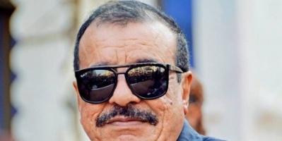 بن بريك يوجه التحية للشعب الجزائري.. ويتساءل: متى سينتهي الفساد في اليمن؟