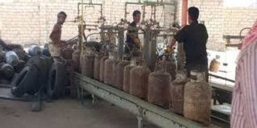 بإشراف الانتقالي الجنوبي.. توزيع اسطوانات الغاز المنزلي لأهالي الحصين