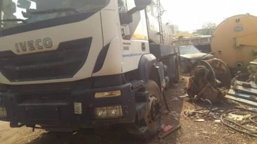 لجنة الطوارئ بالانتقالي تتكفل بصيانة وإصلاح سيارات الصرف الصحي بعدن