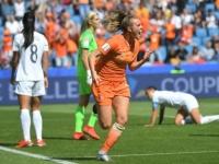 هولندا تهزم الكاميرون 3-1 وتصعد لدور الـ16 بكأس العالم للسيدات