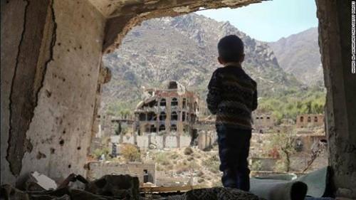 """تمديد """"مهمة الحديدة"""" التي لم تبدأ.. الكوميديا السوداء في الحرب الحوثية"""