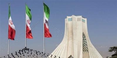 سيناتور أمريكي يضع سيناريوهات تأديب إيران