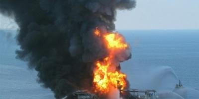 مصرع 4 أشخاص في حريق ناقلة نفط ببحر قزوين