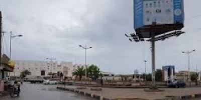 تفقد استعدادات تنفيذ حملة رفع مخلفات البناء والأمطار بالشحر