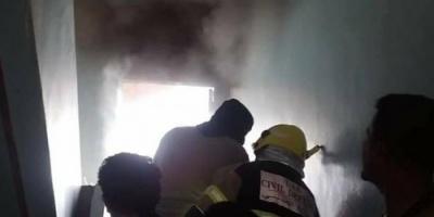الدفاع المدني يخمد حريقين بمكتب التعليم وإذاعة المكلا