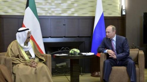 أمير الكويت يدعو الرئيس الروسي للقيام بزيارة رسمية إلى بلاده