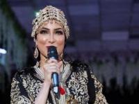 شاهد دنيا بطمة بلوك أمازيغي في أحدث حفلاتها الغنائية