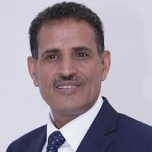 أنعم يعلق على استقالة أمين عام المجلس المحلي بصنعاء