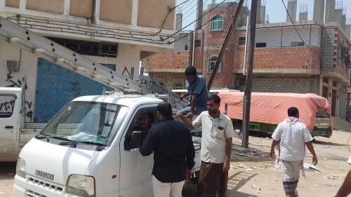 """""""كهرباء حضرموت"""" تقوم بحملة موسعة للتفتيش على المخالفين في منطقة الشافعي غرب المكلا (صور)"""