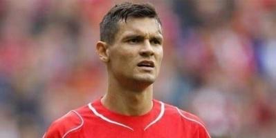 ليفربول يحدد سعر انتقال مدافعه إلى ميلان