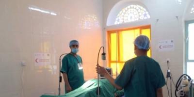 بدعم إماراتي.. إجراء أكثر من 600 عملية جراحية بمستشفى المواسط في تعز (صور)