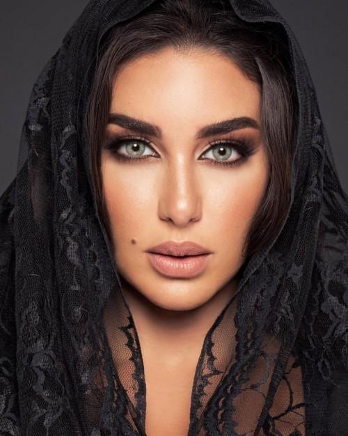 ياسمين صبري تبهر متابعيها بحركات بهلوانية جديدة (صورة)